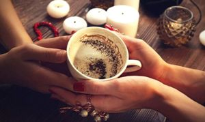 Кофейные предсказания из рук в руки