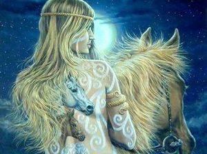 Девушка верхном на лошади