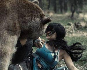 Драться с медведем