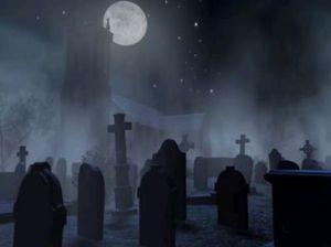 Кладбище под луной