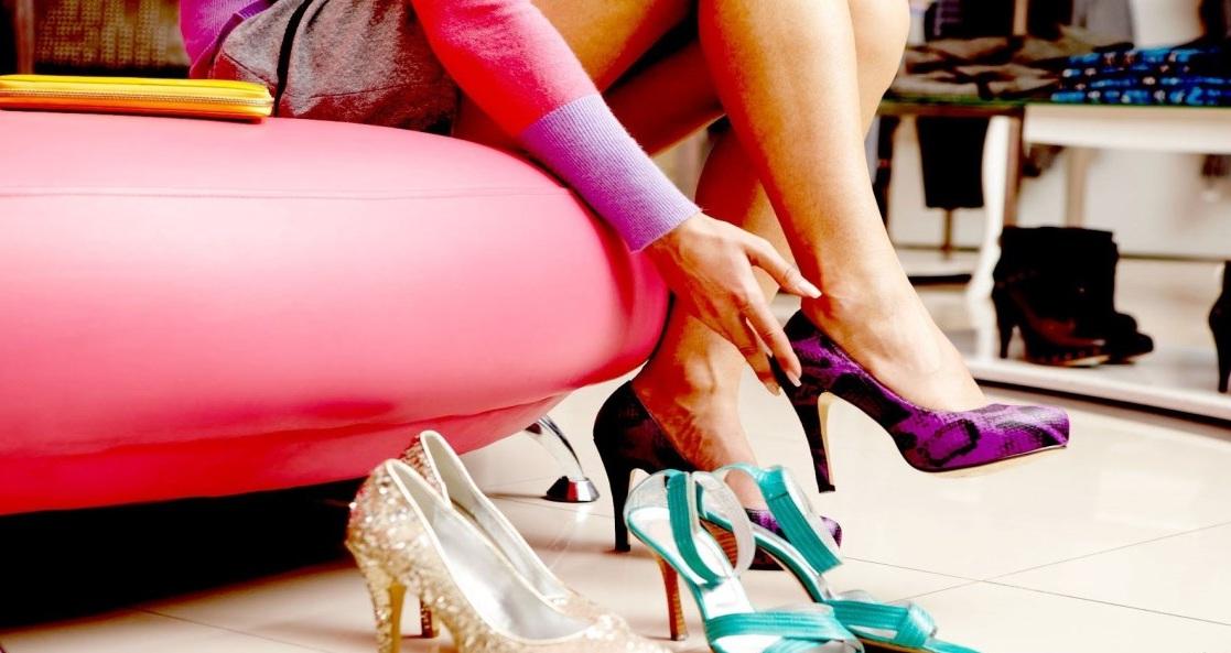 Мерить и покупать обувь